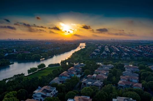 十二时辰是古代中国劳动人民根据一日间太阳出没的自然规律